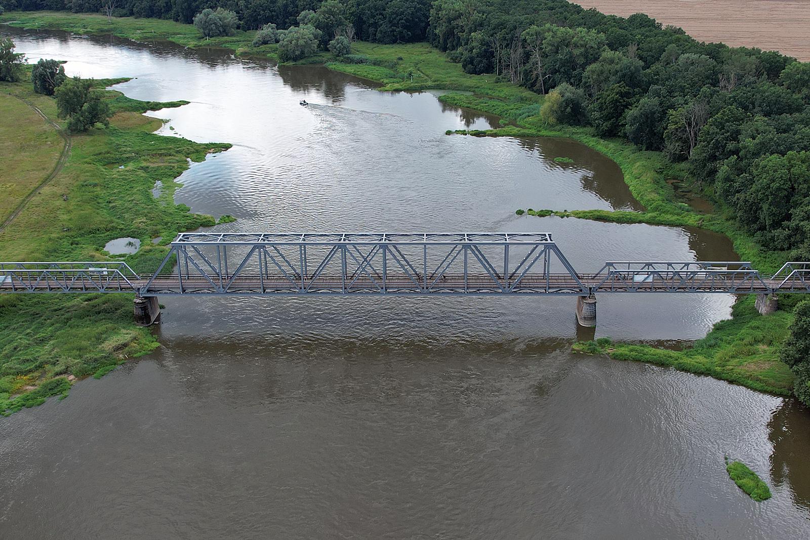 Koleją na rower - dawny most kolejowy w Stanach